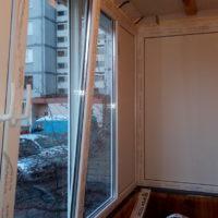 Остекление П — образного балкона из профиля Rehau и фурнитуры Winhouse на Троещине